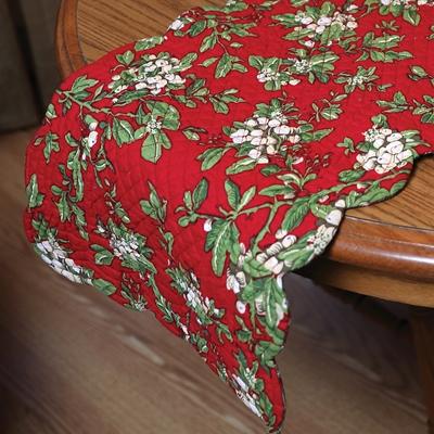 Mistletoe & Plaid Table Runner