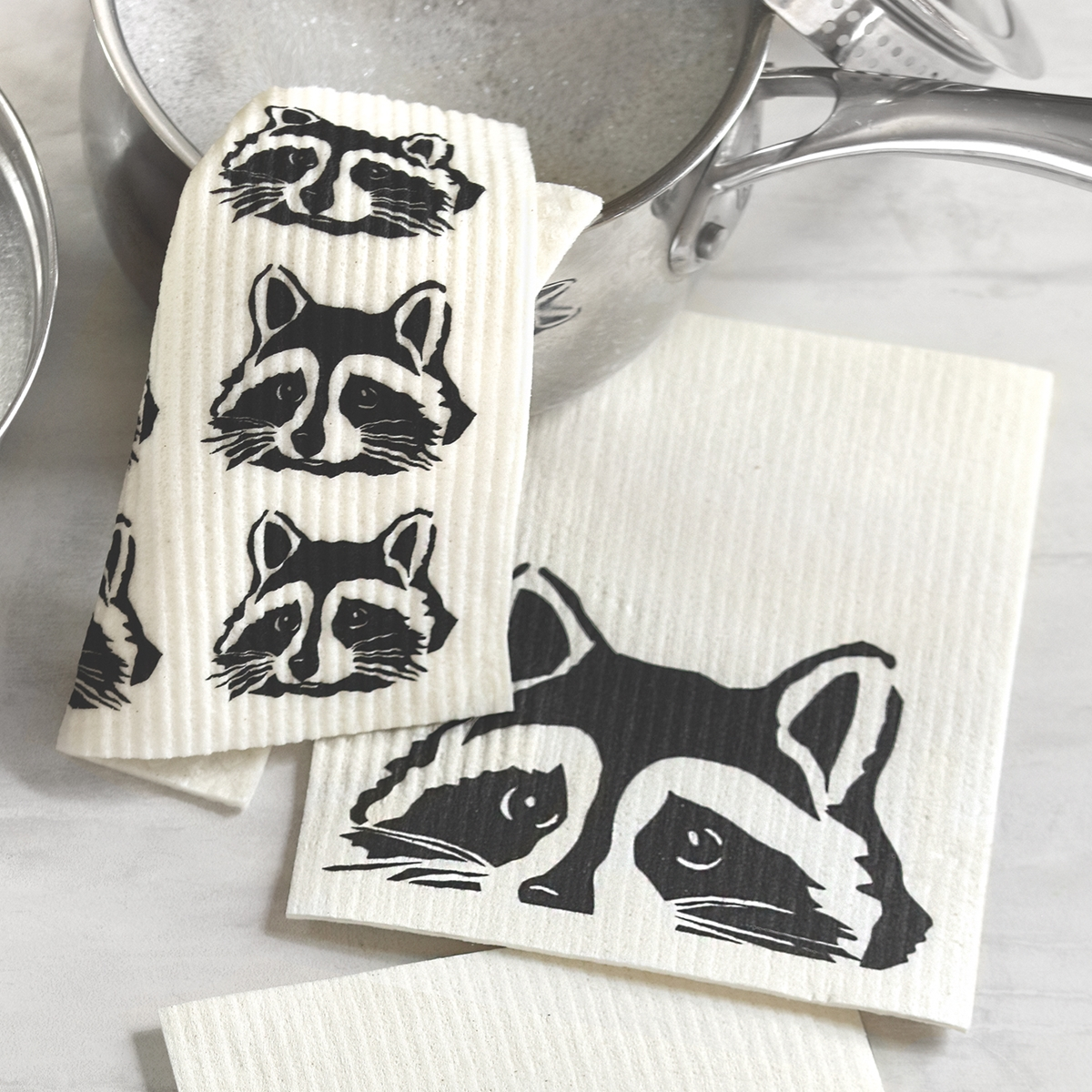Peeking Raccoon Dish Cloth Set